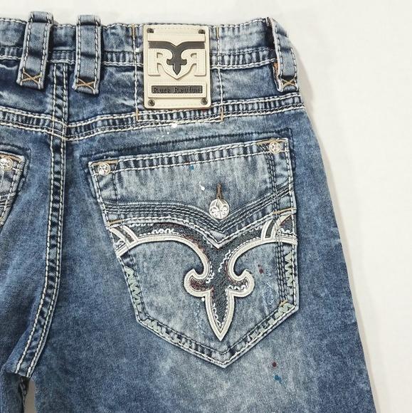 NWT Rock Revival Men/'s Yitro Straight Leg Distressed Stretch Jeans